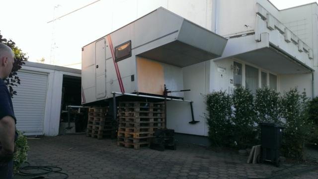 Wohnkabine für den DAF Leyland anheben