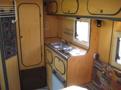 GlobeCab innen Küche