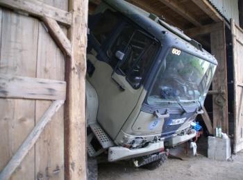 T 244 Fahrerhaus gekippt